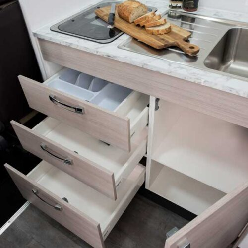 Leura_B6712_KitchenStorage