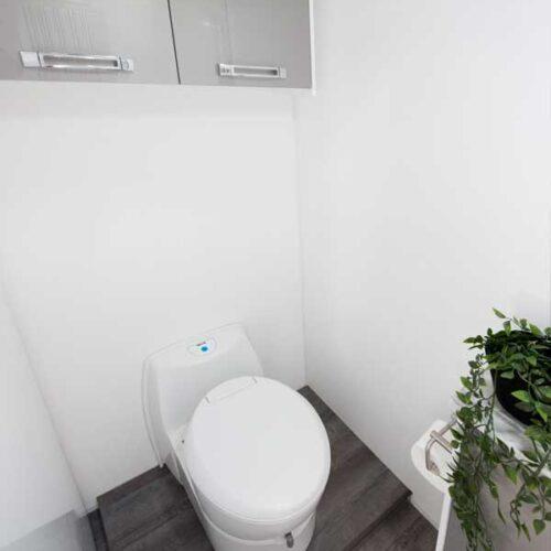 Leura_B6712_Toilet